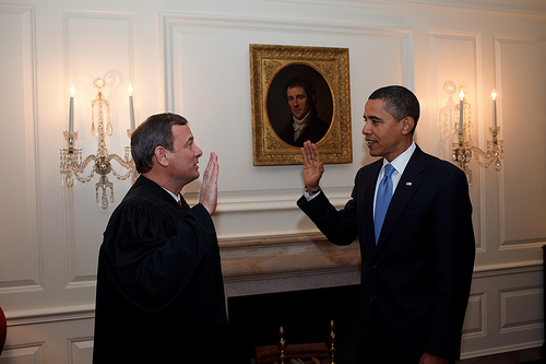 http://gulagbound.com/wp-content/uploads/2011/04/Obama-oath-Roberts-2nd.jpg