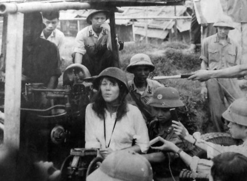 Fonda-Jane-Viet-communists