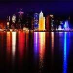 Doha at night, photo Nuroptics, Wikimedia