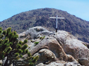 Cross on Mojave Desert's Sunrise Rock, VFW, photo via NPR, Liberty Legal Foundation
